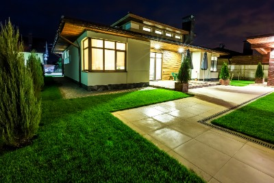 There are many landscape lighting ideas you can benefit from no matter the size of your yard.
